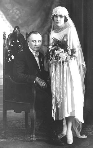 Sadie Trombly & Joseph Schulte on their wedding day in 1921